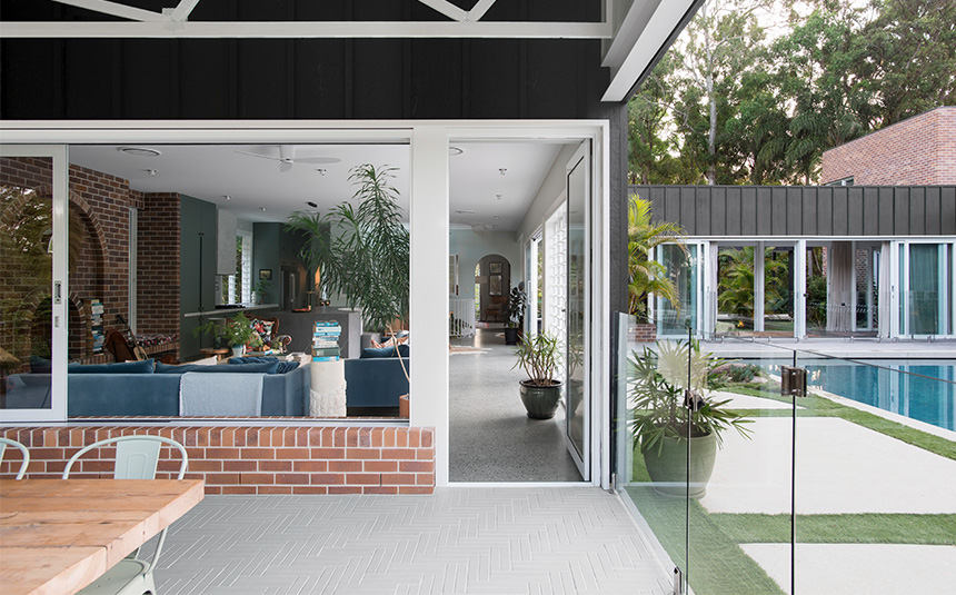 PGH Bricks & Ceniza Linear bricks from Morada range used in alfresco flooring in perfect example of modern design